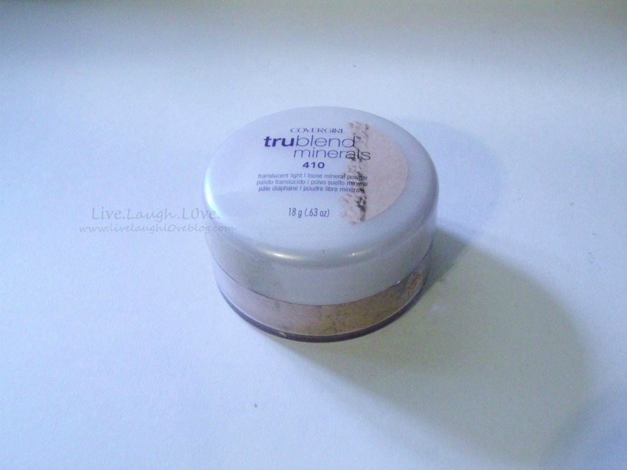 Want a subtle shimmer in your powder? You have to try this trublend minerals powder. @clivelaughl0ve is sharing her favorite makeup products! #makeup #beauty