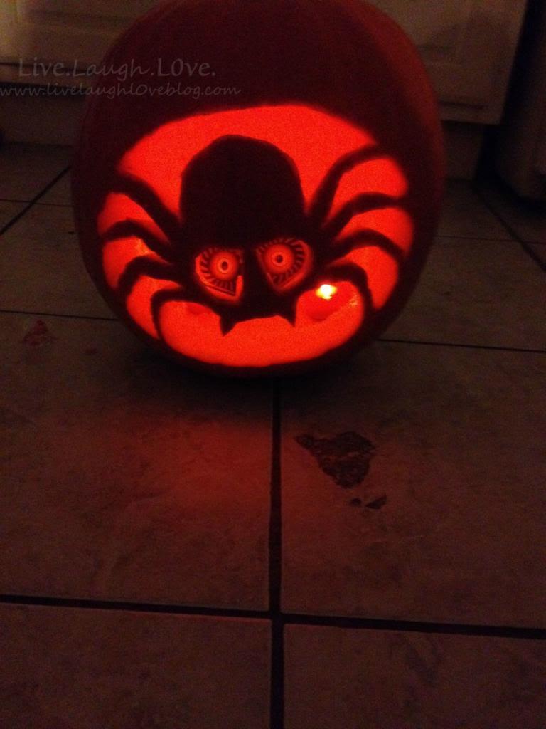 Pumpkin carving fun via @clivelaughl0ve