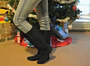 A Christmas outfit via @clivelaughl0ve