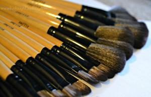 Live.Laugh.L0ve. // Makeup brush review plus a video