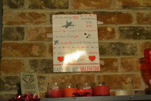 Live.Laugh.L0ve. // Valentines Day Mantel and a free printable